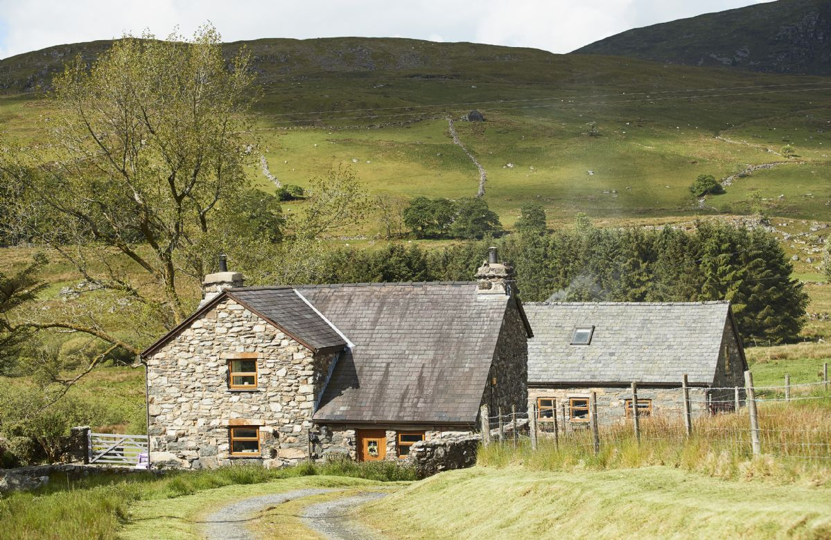 Click here for more about Ty Nant Cottage