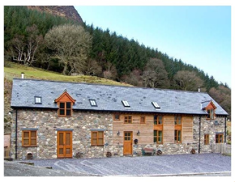 Click here for more about Ysgubor Pwlliago