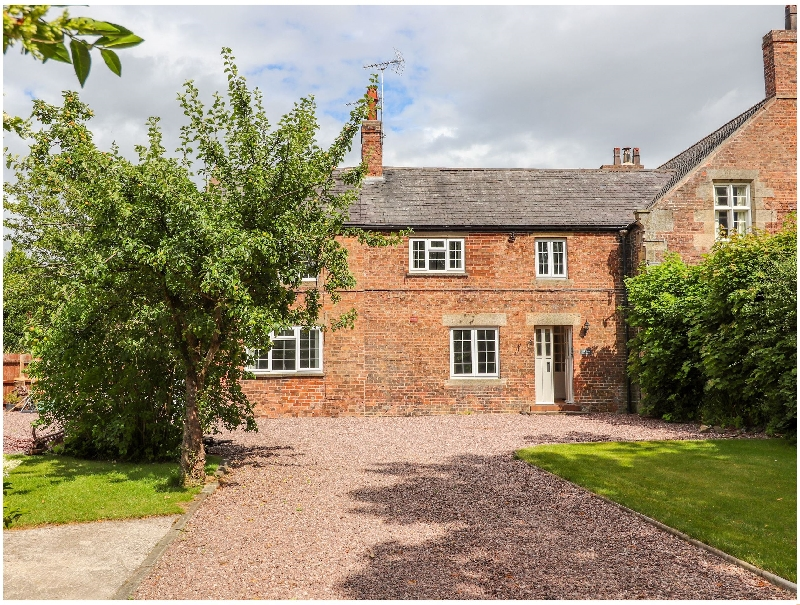 Click here for more about Well House Farm Flat 1