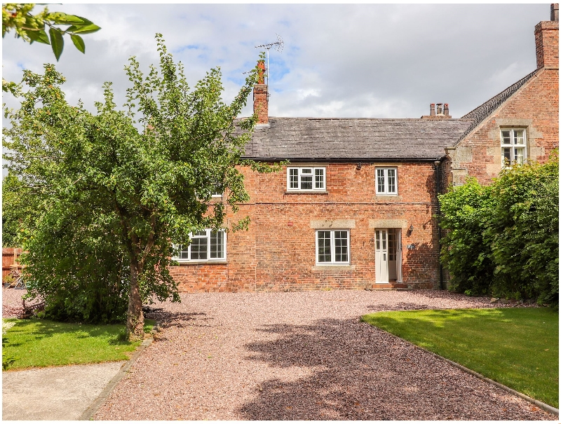 Click here for more about Well House Farm Flat 2